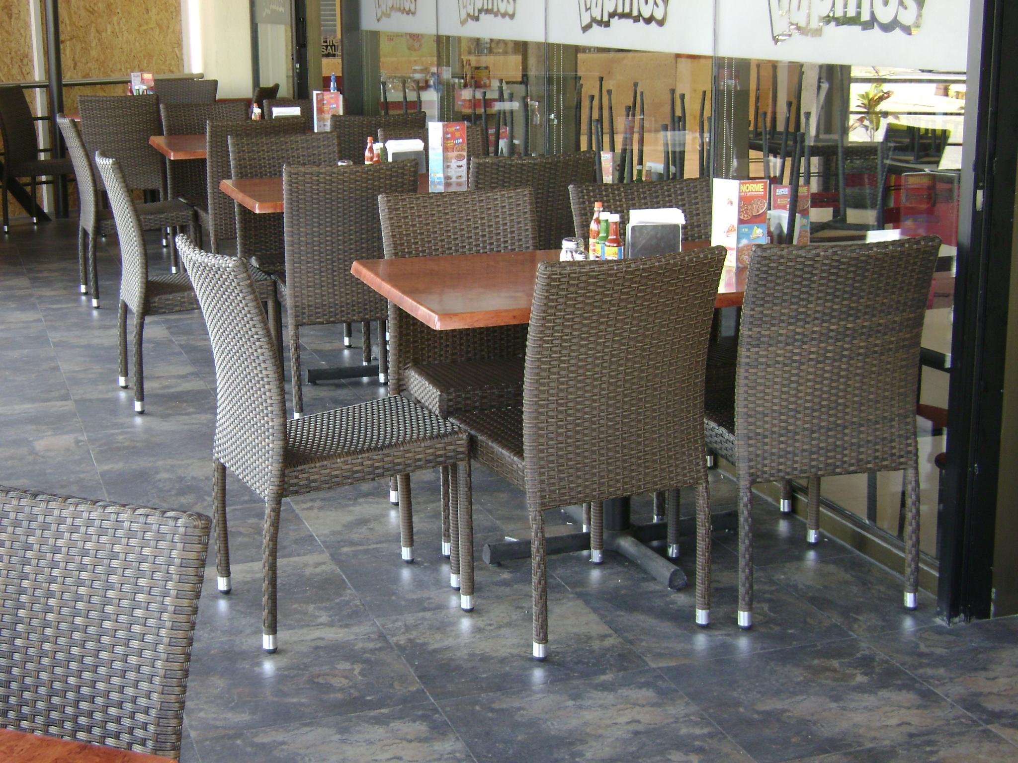 Promobili sillas para restaurante sillas para hoteles for Sillas madera cafeteria